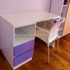 Escritorios personalizados hechos a tu medida . Visita www.cocinasydisenos.com . . . . #cocinasydiseñosjc #diseñodebaños #mueblesdebaño #muebles #diseñodeinteriores #tendecias2020 #cocinas #puertas #closets #diseñodeclosets #ventanas #mesas #mesasdeestudio #diseñodemobiliario #mobilarioparaoficina #escritorios Office Desk, Corner Desk, Table, Furniture, Home Decor, Study Tables, Bathroom Furniture, Desks, Facts