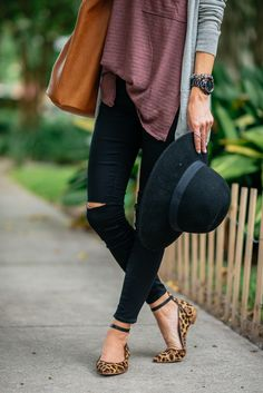 Distressed denim + leopard flats.