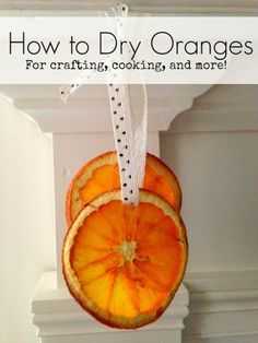 How to Dry Oranges for Crafting and Cooking - Use this tutorial to dry orange slices. You can use the dried oranges in recipes, in crafts, or home decor. maybe for xmas potpourri? Natural Christmas, Christmas Makes, Noel Christmas, Homemade Christmas, All Things Christmas, Christmas Ornaments, Christmas Oranges, Dried Orange Slices, Dried Oranges