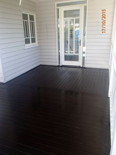 A dramatic black stained deck for that WOW factor, we used Feast Watson black deck stain, this deck is in Clayfield, Brisbane. What do you think?