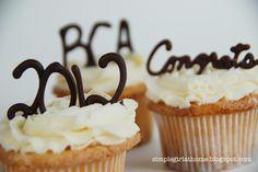 Simple Girl: Graduation Cupcakes & Cakes