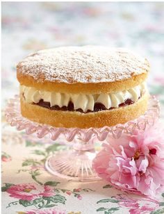 Tea: Victoria sponge cake for #tea time.