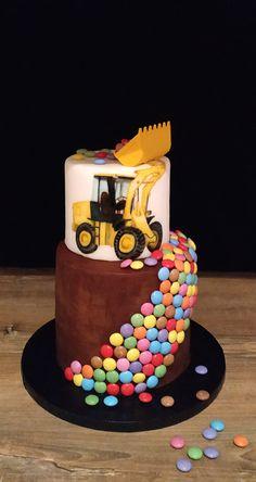 Handicraft, Birthday Cake, Desserts, Food, Birthday Cake Toppers, Celebration, Pies, Craft, Tailgate Desserts