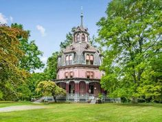 1860 Armour-Stiner Octagon House In Irvington New York