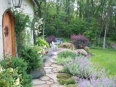 Guest House Cottage Garden - farmhouse - landscape - philadelphia - by Dear Garden Associates, Inc. Guest House Cottage, Cottage Style, Farmhouse Landscaping, Backyard Landscaping, Backyard Walkway, Flagstone Walkway, Design Jardin, Romantic Cottage, Dream Garden