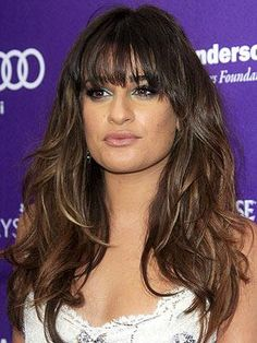 Lea Michele Long Wavy Cut with Bangs - Lea Michele looked totally beachy cool with wavy tresses and blunt bangs. Face Shape Hairstyles, Cool Hairstyles, Lea Michele Hair, Leah Michele, Wispy Bangs, Blunt Bangs, Celebrity Hair Stylist, Fashion And Beauty Tips, Beauty Style