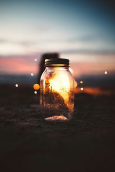 Bokeh and a jar, sunset scene photography.