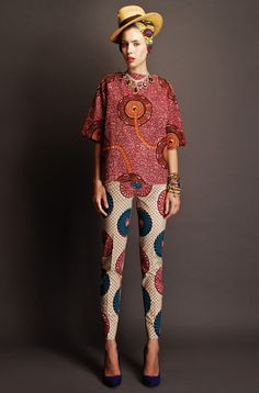 Really <3 this look. Esp the fit of those pants.  Stella Jean Spring/Summer 2012
