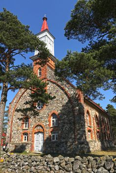 Häädemeeste Mihkli church