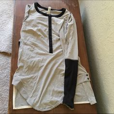 Lululemon Top Very cute in excellent condition!! lululemon athletica Tops