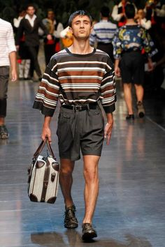 Dolce & Gabbana Collection Men Fashion Show Spring Summer 2013 - Runaway FotoGallery and Video. Men Fashion Show, Milan Fashion, Fashion Models, Spring Fashion, Mens Fashion, Fall Outfits, Fashion Outfits, Fashion Gallery, Mens Clothing Styles
