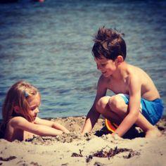 Ulrike von http://lonejo.com/ genießt den Sommer ganz unbeschwert mit ihren Kindern und erinnert sich dabei daran, wie leicht das Leben doch sein kann.