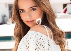 VK is the largest European social network with more than 100 million active users. Kristina Pimenova, Best Prom Dresses, Only Girl, Russian Models, Child Models, Kids Fashion, Beautiful Women, Actresses, Poses