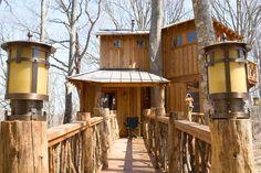 Tiny House Swoon|| abington-treehouse-1