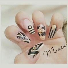 By: Maria Acrylic set with designs and 3d flowers.  #nails #nailart #nailartcult #nail #nailgasm #nailswag #Kissimmee #kissimmeenails #ilovenails #orlando #orlandonails #qualitynails #uñas #networking
