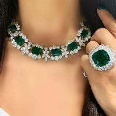 """wearing spectacular emeralds, including """"The Pristine"""", a rare 22 carat Colombian emerald flanked by two rows of pear shaped diamonds. Emerald Jewelry, Gems Jewelry, High Jewelry, Modern Jewelry, Luxury Jewelry, Jewelry Sets, Diamond Jewelry, Silver Jewellery, Jewelry Stores"""