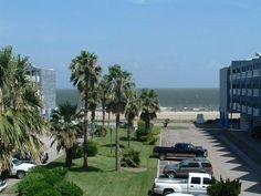 Bay view & Beach side 2Bed/2Bath/2Balcony Condo in Corpus Christi $179 a night sleeps 10 close to lexington area on beach