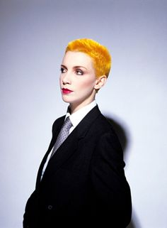 """HISTORICAL// """"Sweet Dreams are made of this""""...who am I to disagree"""". Early in Eurythmics' career (1980s), Lennox was known for her androgyny, wearing suits and once impersonating Elvis Presley. https://www.psychologytoday.com/blog/beautiful-minds/200912/george-and-lennox-gaga-and-lambert-androgyny"""