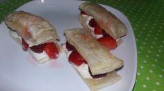 My Things - Inventando uma sobremesa: massa folhada com gelado, morangos e framboesas... delícia!