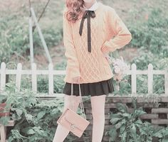 Kawaii Bumbles of a Passing Bee ♥ Más Pastel Fashion, Kawaii Fashion, Lolita Fashion, Cute Fashion, Fashion Photo, Girl Fashion, Fashion Outfits, Fashion Styles, Style Ulzzang