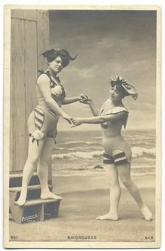 mens bathing suits studio portraits of two young women posing in bathing suits 's 's 's 's Bathing Beauty Parade Vintage Beach Photos, Vintage Photographs, Vintage Bikini, Vintage Swimsuits, Jeanne Lanvin, 1920s Bathing Suits, Weird Vintage, Bathing Costumes, Bathing Beauties