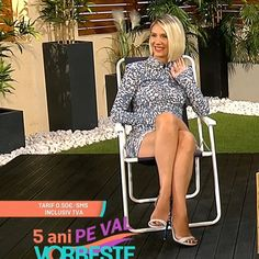 More on tvmagia.ro Tv Presenters, Beautiful Legs, Dresses With Sleeves, Long Sleeve, People, Fashion, Moda, Full Sleeves, Fashion Styles