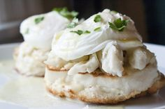 With such a wide-variety to choose from, seafood can be enjoyed at any mealtime. Yes, that's right, even for breakfast! I love recipes that are both easy to prepare and delicious! Fodmap Breakfast, Healthy Breakfast Recipes, Breakfast Ideas, Fodmap Diet, Low Fodmap, Fodmap Foods, Crab Eggs, Lactose Free Milk, Fodmap Recipes