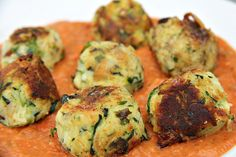 Zucchini and halloumi cheese are blended together to make little balls of deliciousness. A low carb and gluten free main course menu that sits well in a marinara sauce. Greek Recipes, Keto Recipes, Vegetarian Recipes, Cooking Recipes, Healthy Recipes, Healthy Snacks, Lasagne Recipes, Healthy Eating, Savoury Recipes