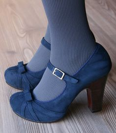 so cute! love the details on the blue shoes :)