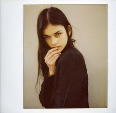 love black hair on this girl. Black Hair Pale Skin, Model Polaroids, Looks Chic, Face Hair, Look At You, Pretty Face, New Hair, Hair Inspiration, Character Inspiration