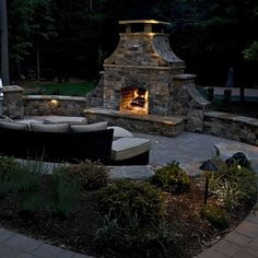 Loooking for outdoor fireplace pictures? Learn about 2 great websites with lots of outdoor fireplace pictures and design ideas. Outdoor Fireplace Patio, Outdoor Stone Fireplaces, Outdoor Fireplace Designs, Fireplace Ideas, Backyard Patio Designs, Backyard Ideas, Patio Ideas, Pergola Ideas, Outdoor Ideas