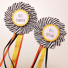 DIY tutorial: Halloween prize rosettes - via http://exexp.at