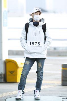 160307 EXO Xiumin | Incheon Airport to Suvamabhumi Airport