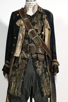 Pirate costuming James Norrington (potc 2) scruffy but still dignified