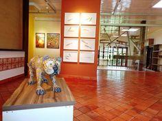 A Galeria Mirante das Artes, o mais novo espaço cultural de Várzea Grande, exibe um acervo permanente, com obras de 27 artistas mato-grossenses. A visitação acontece de segunda-feira a domingo, das 12h às 17h, com entrada Catraca Livre.