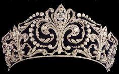 De fleur-de-lys tiara van het Spaanse koningshuis.