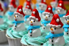 Delicious Cakes By Nell: Snowman Cupcakes Christmas Sweets, Christmas Goodies, Christmas Snowman, Simple Christmas, Christmas Baking, Merry Christmas, Christmas Ideas, Christmas Stuff, Xmas