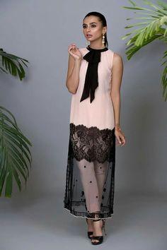 Pakistani Fashion Casual, Pakistani Dresses Casual, Indian Dresses, Indian Outfits, Stylish Dresses, Casual Dresses, Fashion Dresses, Kurti Designs Party Wear, Kurta Designs