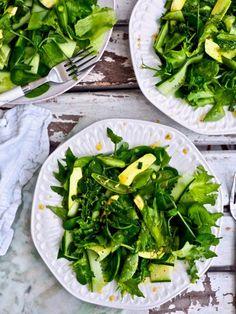 Vihreä salaatti ja hunaja-sinappikastike Spinach, Dinner Recipes, Food And Drink, Chicken, Vegetables, Cooking, Green, Simple, Kitchen