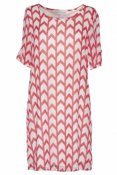 CHEVRON SHIFT DRESS #bevellowishlist