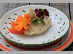 Marillen-Topfenaufstrich Pudding, Desserts, Food, Apple, Tailgate Desserts, Meal, Dessert, Eten, Puddings