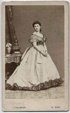 Historical Timekeepers - 1860's Fashion Ball Gowns & Fancy Dresses
