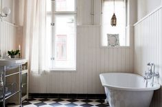 scandinavian-home-stockholm-nina-persson-cardigans-bathroom