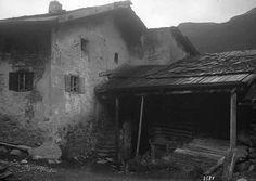 EAD-ZING-3531 Tinizong, Bauernhaus, Teilansicht, 1909 (Dokument) Painting, Art, Farm Cottage, Art Background, Painting Art, Kunst, Paintings, Gcse Art