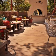 Deck at a Restaurant in N. Hollywood, CA.     Name the Restaurant.