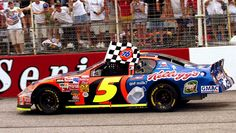Terry Labonte winning at Darlington. Real Racing, Auto Racing, Terry Labonte, The Iceman, Nascar Race Cars, Vintage Race Car, Paint Schemes, Thunder, Families