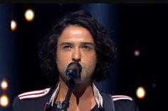 """Rédacteur en chef d'un jour pour RTL2, le chanteur Cali a partagé son coup de cœur pour Arno Santamaria : """"Quand tu croises quelqu'un qui est génial humainement et intellectuellement, tu aimerais bien qu'artistiquement il te plaise. Quand j'ai écouté sa musique, j'ai souri"""". """"Il amène des mots et une poésie extraordinaire avec une voix pleine de fêlures et de lumières. Arno n'est pas juste un chanteur de plus"""". La suite de l'article, ici. Merci à lui."""