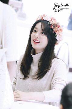 She is Margo to me ❤️✨ Pretty Korean Girls, Cute Asian Girls, Hot Girls, Korean Actresses, Korean Actors, Korean Idols, Korean Drama, Kim Ji Won, Cute Beauty