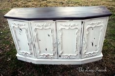 Tv Stand/ Sofa or Entry Table. I need to watch garage sales this summer. Shabby Chic Furniture, Shabby Chic Decor, Painted Furniture, Shabby Chic Tv Stand, Furniture Makeover, Diy Furniture, Chabby Chic, Cabinet Decor, French Country Decorating