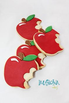 Galletas y cupcakes decoradas motivo blancanieves | Ilusiona Cakes. Decoración en Madrid de tartas, cupcakes y galletas con fondant para fiestas infantiles y eventos especiales